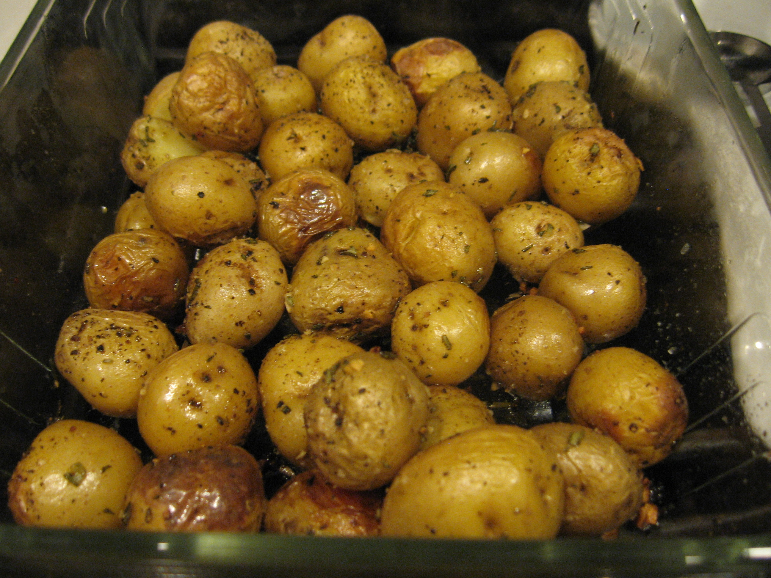 Roasted New Potatoes with Rosemary and Garlic