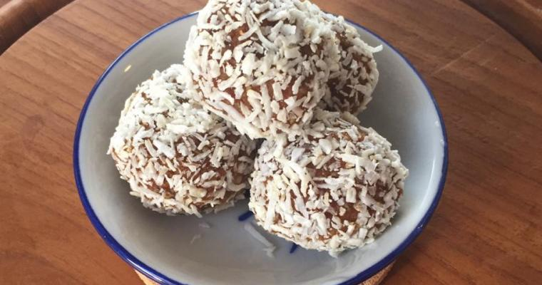 Carrot Cake Energy Balls – Vegan and Gluten-free